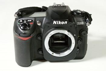 Nikon D200 Tělo + nabíječka