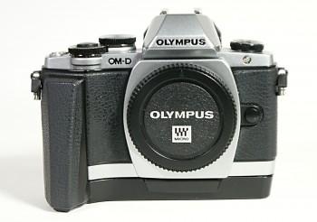 Olympus OM-D E-M10 + Grip ECG-1
