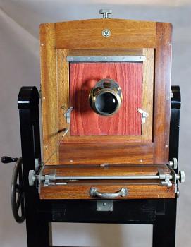 Dřevěný ateliérový přístroj Görlitz formát 24x30