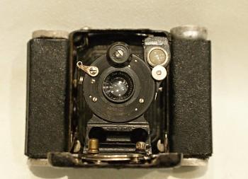 Měchový fotoaparát Ica 6x4,5