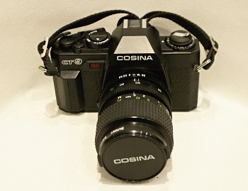 Cosina CT-9 obj. Cosina 35-70mm 1:3,5-4,8f + Brašna