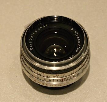 Objektiv pro Praktinu Flexon 2/50mm