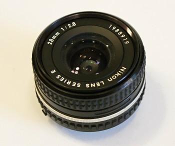 Nikon 28mm 1:2,8f series E