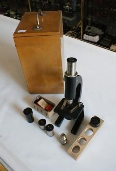 Mono Mikroskop zvětšení 10x-84x + Příslušensctví + skřínka