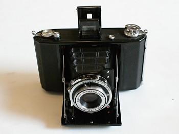 Měchový fotoaparát Zeiss Ikon 6x6 obj: Novar - Anastigmat 4,5/75mm