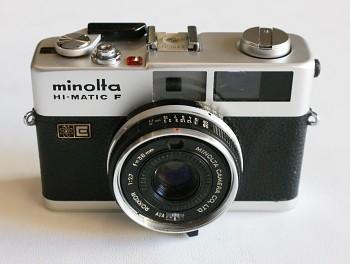 Minolta HI - Matic F obj: 38mm/2,7f + Brašna