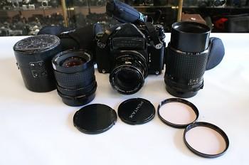 Pentax 6x7 set 1x Takumar 105mm/2,4f 1x Pentax 200mm /4f 1x Pentax 75mm/4,5 f + pouzdra 1x meřící Hranol