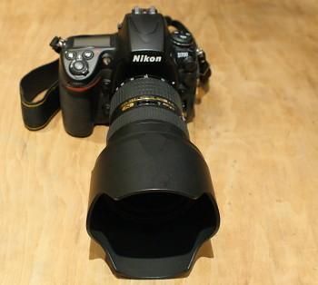Nikon D700 + obj: 24-70mm 2,8F ED N + brašna