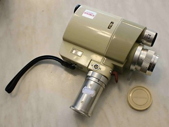 Filmová Kamera 8mm Minolta Zoom 8