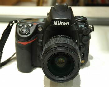 Nikon D700 + obj : 28-80mm 3,3-5,6G + Brašna